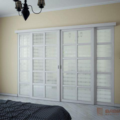 Раздвижные двери с декоративным зеркалом